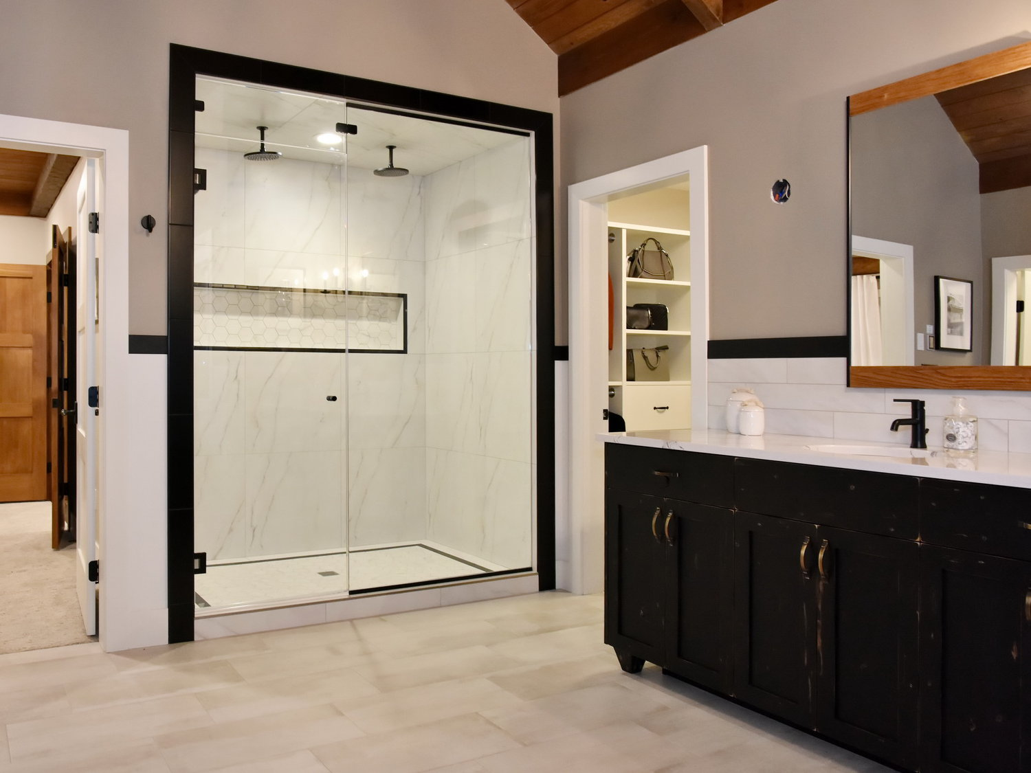 Master shower - Delta trinsic in matte black